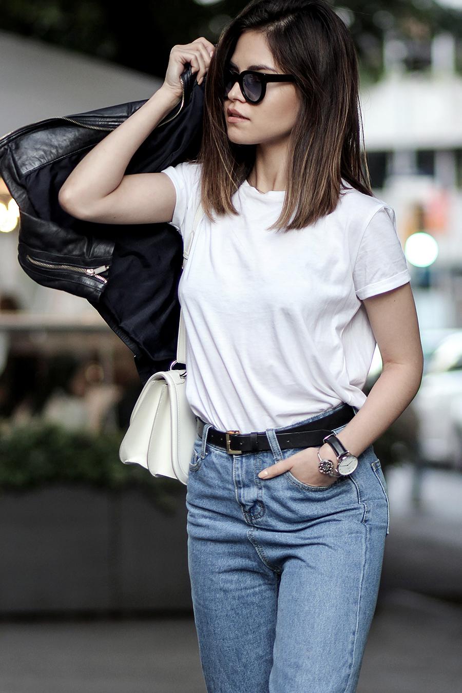 01-totwoo-bracelet-tracker-cropped-jeans-leather-jacket-daniel-footwear-booties-ferragamo-jody-bag1
